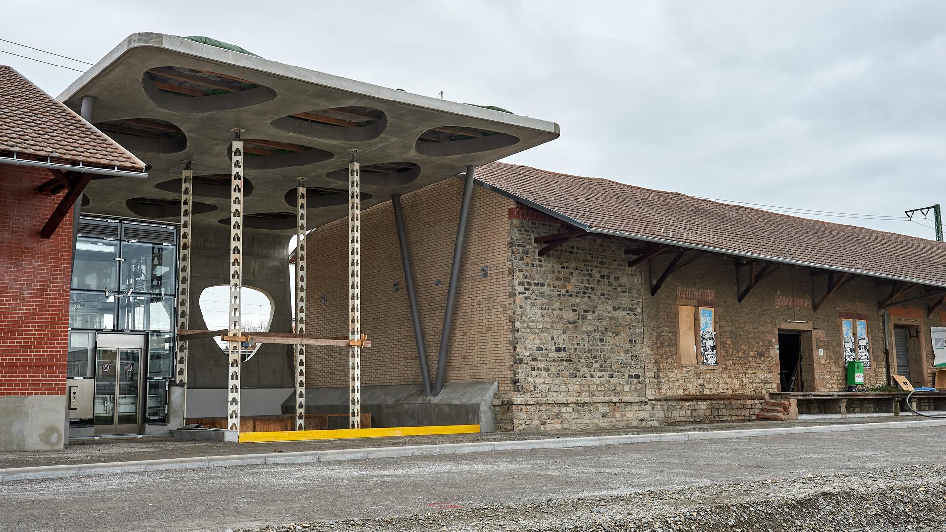 Bahnhofsunterführung Dach