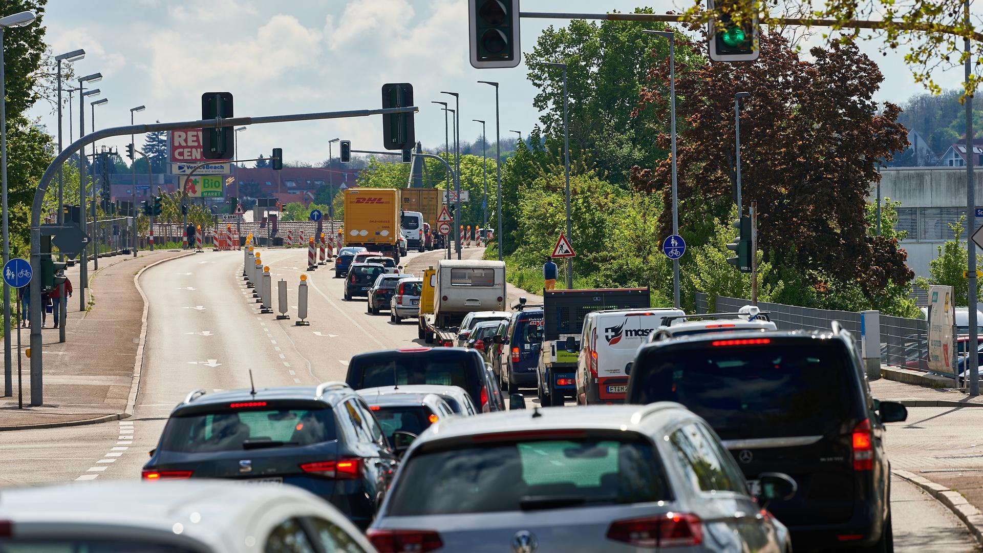 Baustelle Büchenauer Brücke Verkehrschaos
