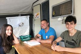 Lela, Oliver, Tobias Butz (von links) im Freizeitzentrum Hardtsee