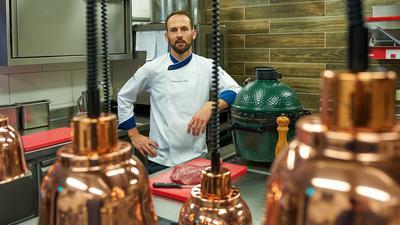 """Unter Schock: Wegen der Corona-Pandemie muss Alexander Erck sein Hotel und Restaurant """"Erck"""" in Bad Schönborn ab Montag für vier Wochen dicht machen."""