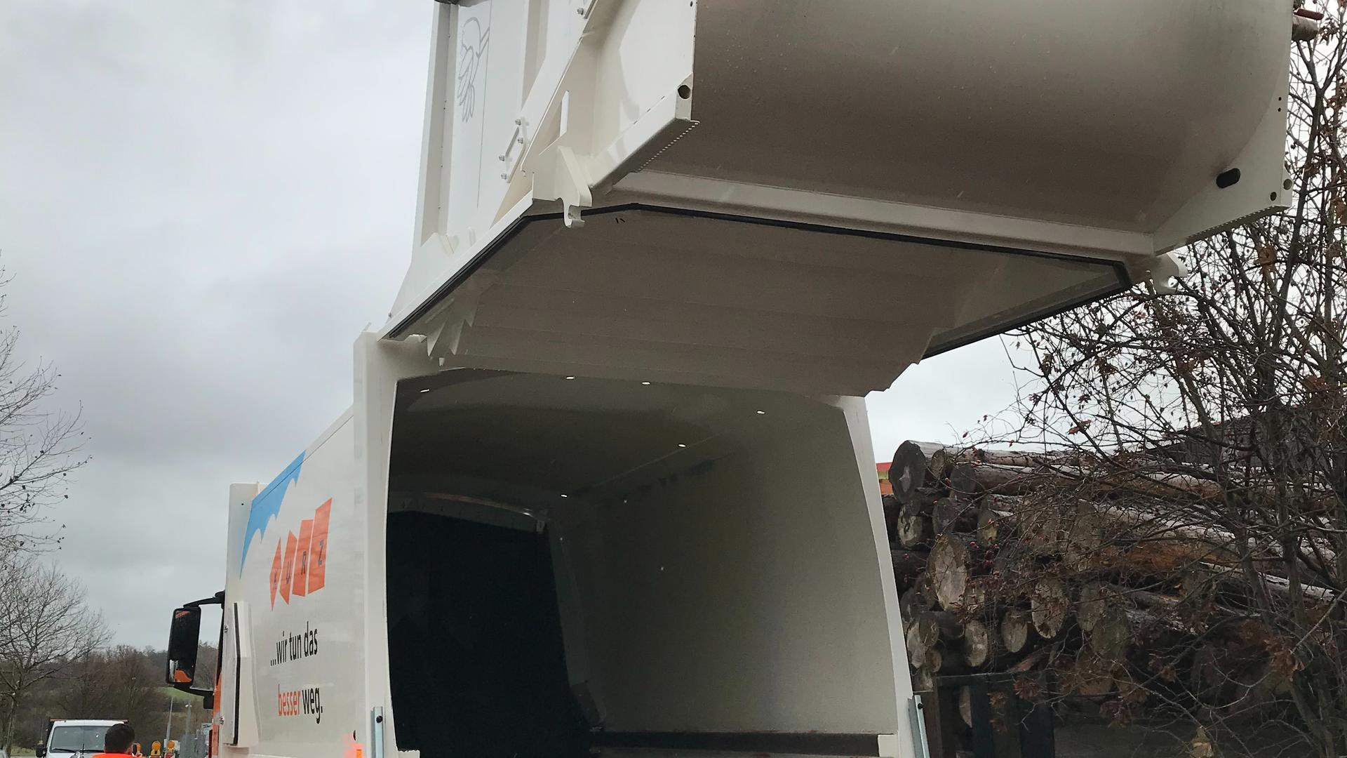 Eigens für die Sammlung der Bioabfälle im Landkreis Karlsruhe hat die Firma Kurz Entsorgung neue Müllfahrzeuge angeschafft.