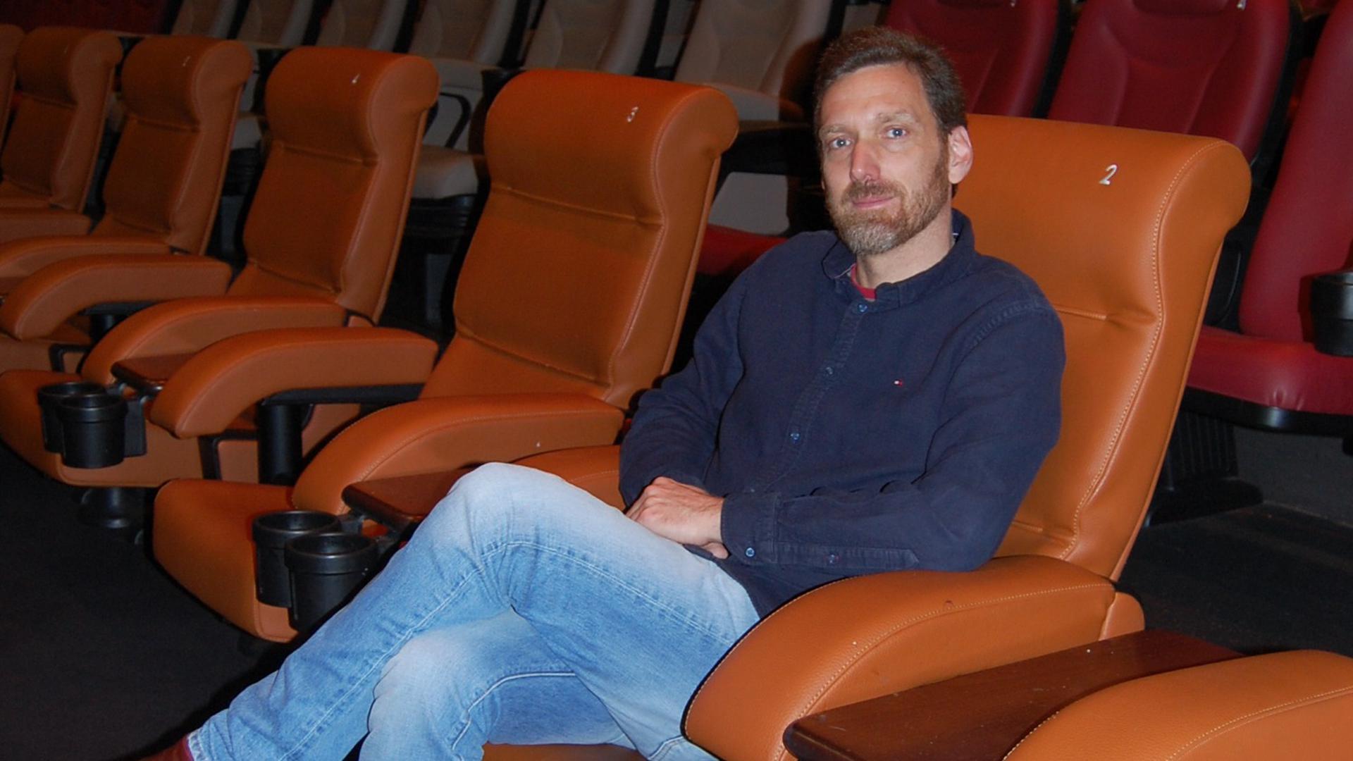 Steffen Amend vom Bruchsaler Kino in Saal zwei