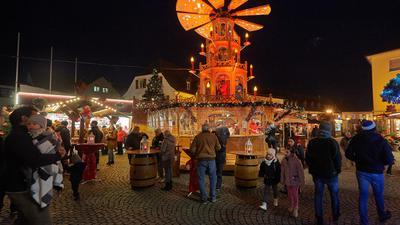 Im Zentrum des Bruchsaler Weihnachtsmarktes steht die Pyramide: Ob sie sich jedoch in diesem Jahr am Kübelmarkt drehen wird, ist derzeit noch ungewiss.