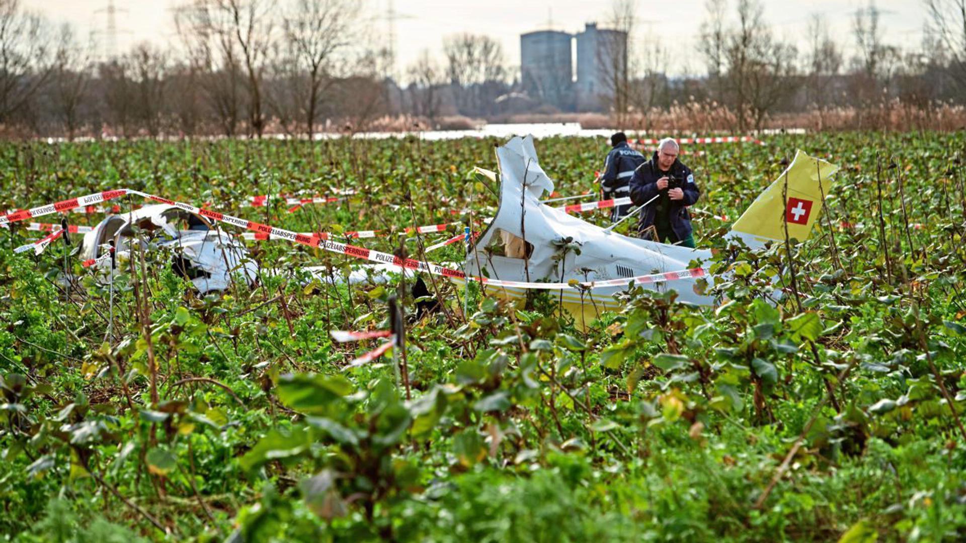 Der Erlichsee bei Oberhausen-Rheinhausen rückt 2018 in den Fokus der Öffentlichkeit. Dort stoßen in der Luft ein Hubschrauber und ein Kleinflugzeug zusammen, vier Menschen sterben. Die Unglücksursache ist bislang nicht geklärt.