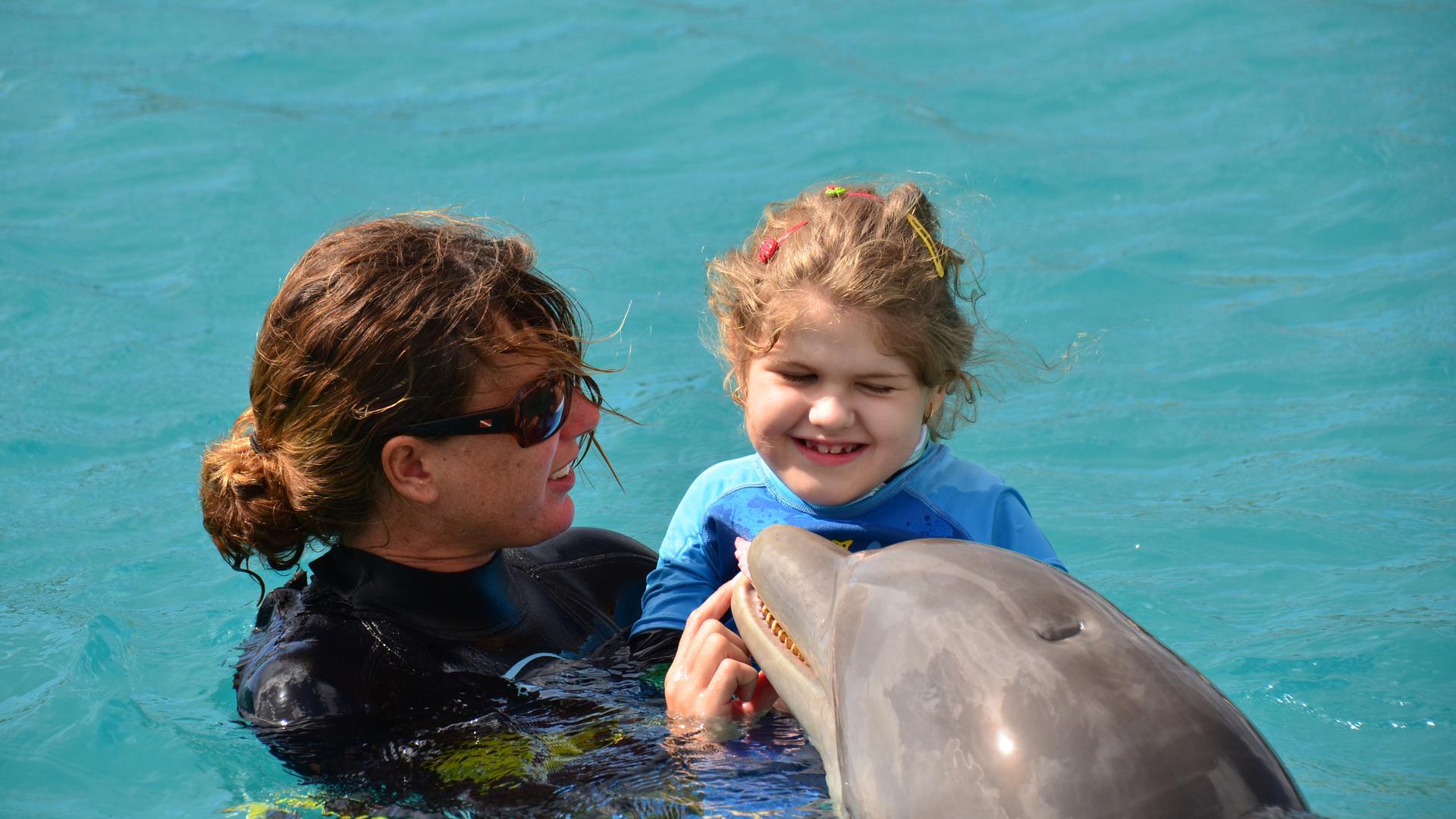 Sienna mit Delfin