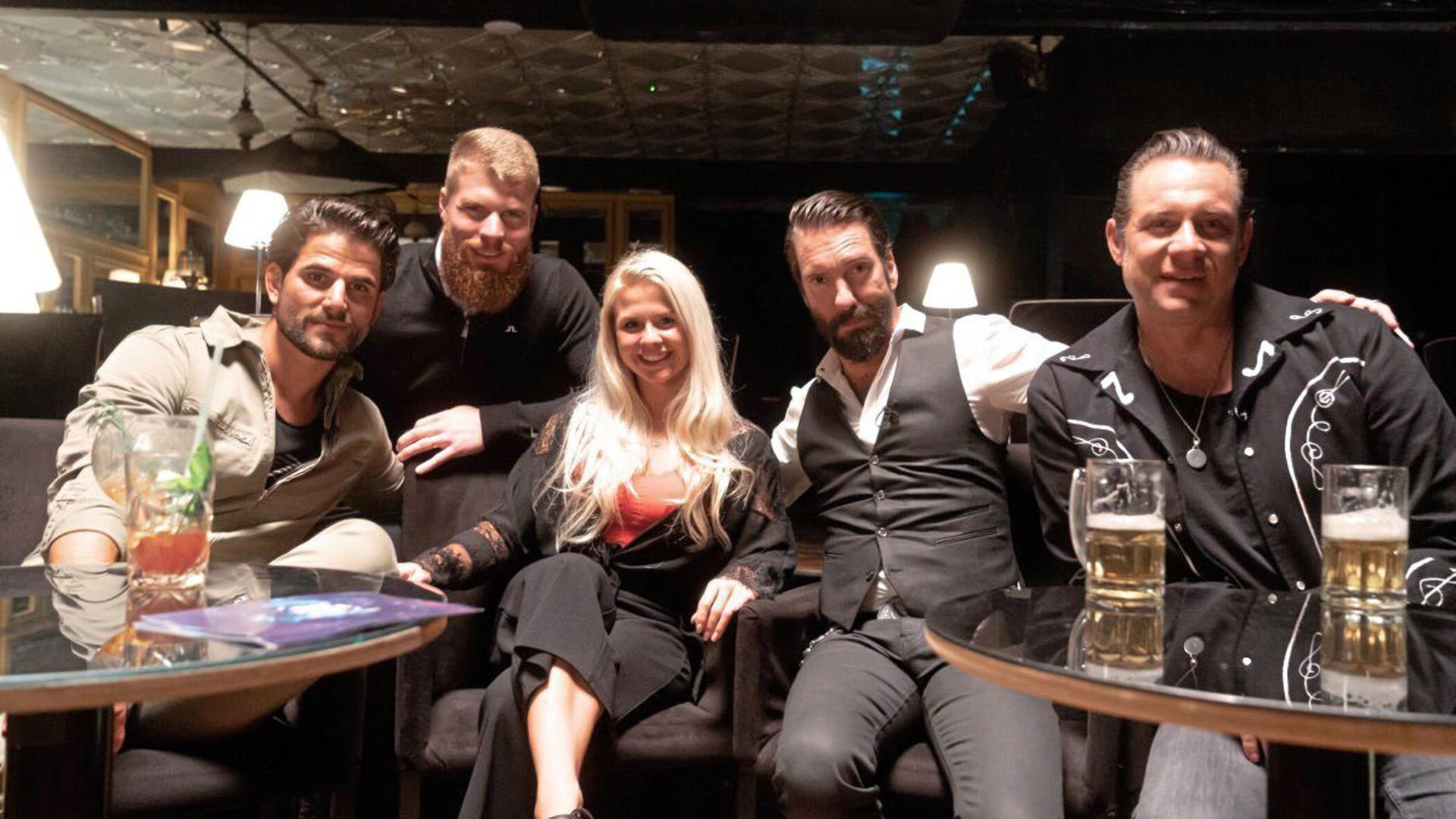 The BossHoss, Alec und Sascha, mit Colleen, Martin und Yves – wer ist der Mole?