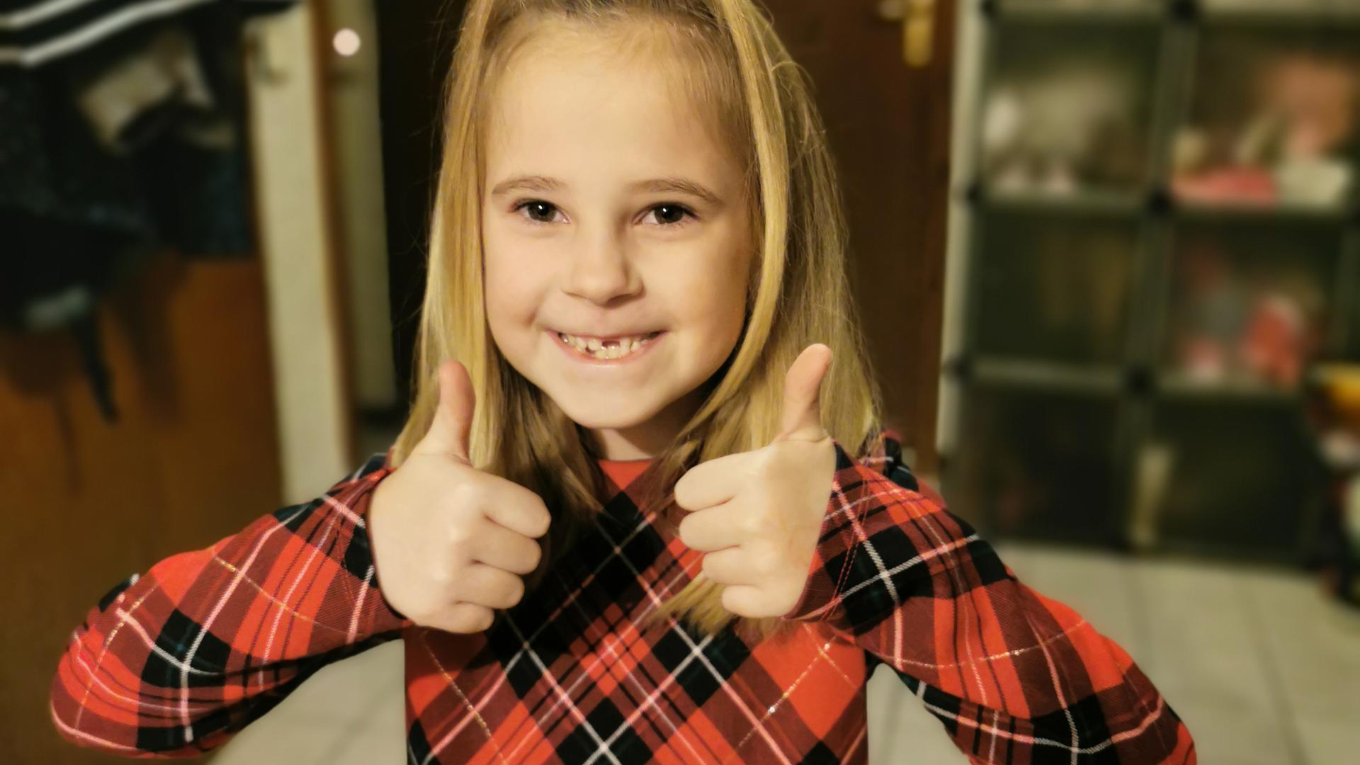 Die siebenjährige Chloe aus Östringen freut sich über viele Spenden an das Kinderhospiz Sterntaler