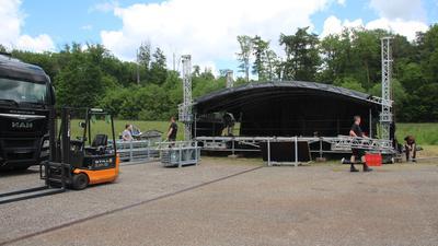 Open-Air-Bühne wird aufgebaut