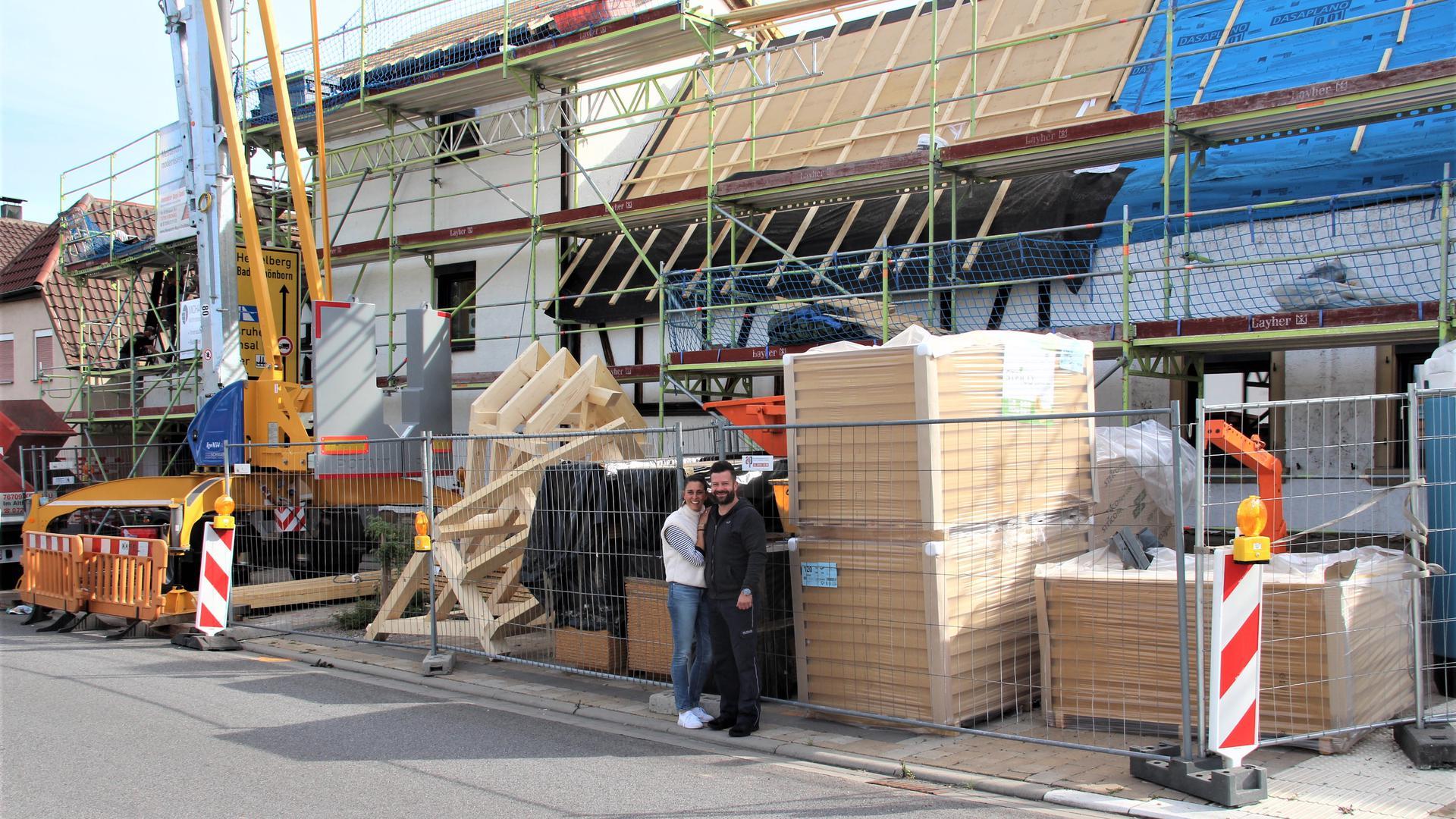 Nadine und Peter Kegler stecken mitten in der Sanierung ihres Fachwerkhauses in Stettfeld, einem Ortsteil von Ubstadt-Weiher.