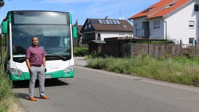 Wenig Verständnis hat der Wiesentaler Jörg Marshall, wenn Linienbusse oft tagelang im Wohngebiet abgestellt werden.