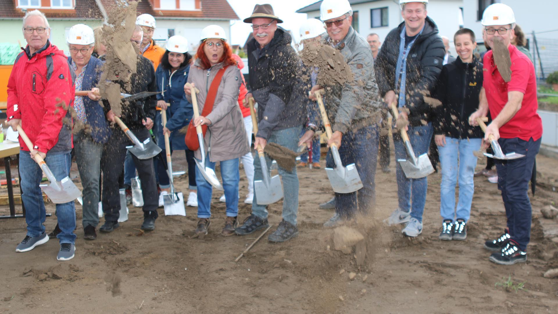 Spatenstich: Mitten in einem Neubaugebiet wird in Wiesental eine neue Kita für bis zu 125 Kinder gebaut.