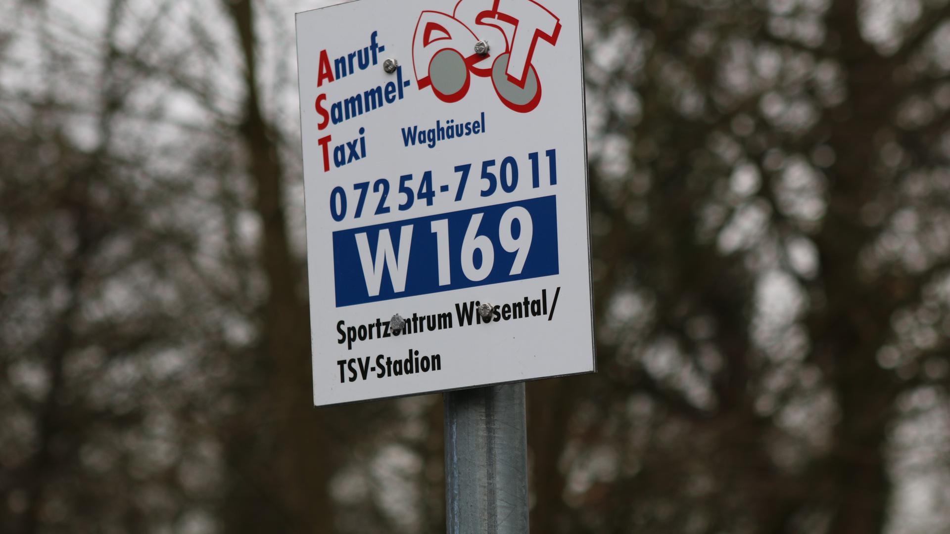 Günstig und sicher sind die Fahrten mit dem Anruf-Sammel-Taxi, wobei es allein in Waghäusel 49 Abfahrtshaltestellen gibt.