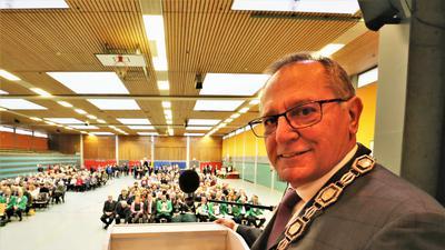 Waghäusels Oberbürgermeister Walter Heiler (SPD, 65) ist mit einer engagierten Rede in der Waghäuseler Wagbachhalle ins kommunalpolitische Jahr gestartet.