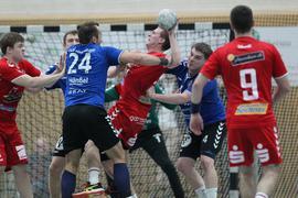 Abwehrarbeit im Handball.