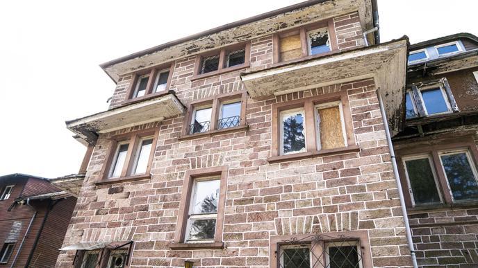 Einsturzgefährdete Gebäudeteile wollte die Stiftung abreißen lassen.