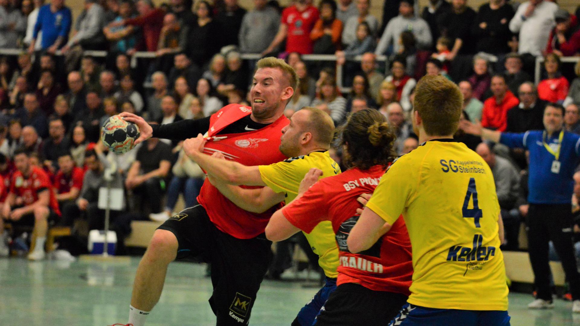 Volle Hallen, spannende Spiele: Auf Szenen wie in der Sinzheimer Fremersberghalle im Lokalderby des einheimischen BSV Phönix gegen Steinbach/Kappelwindeck werden die Handballfans wohl noch einige Zeit warten müssen.