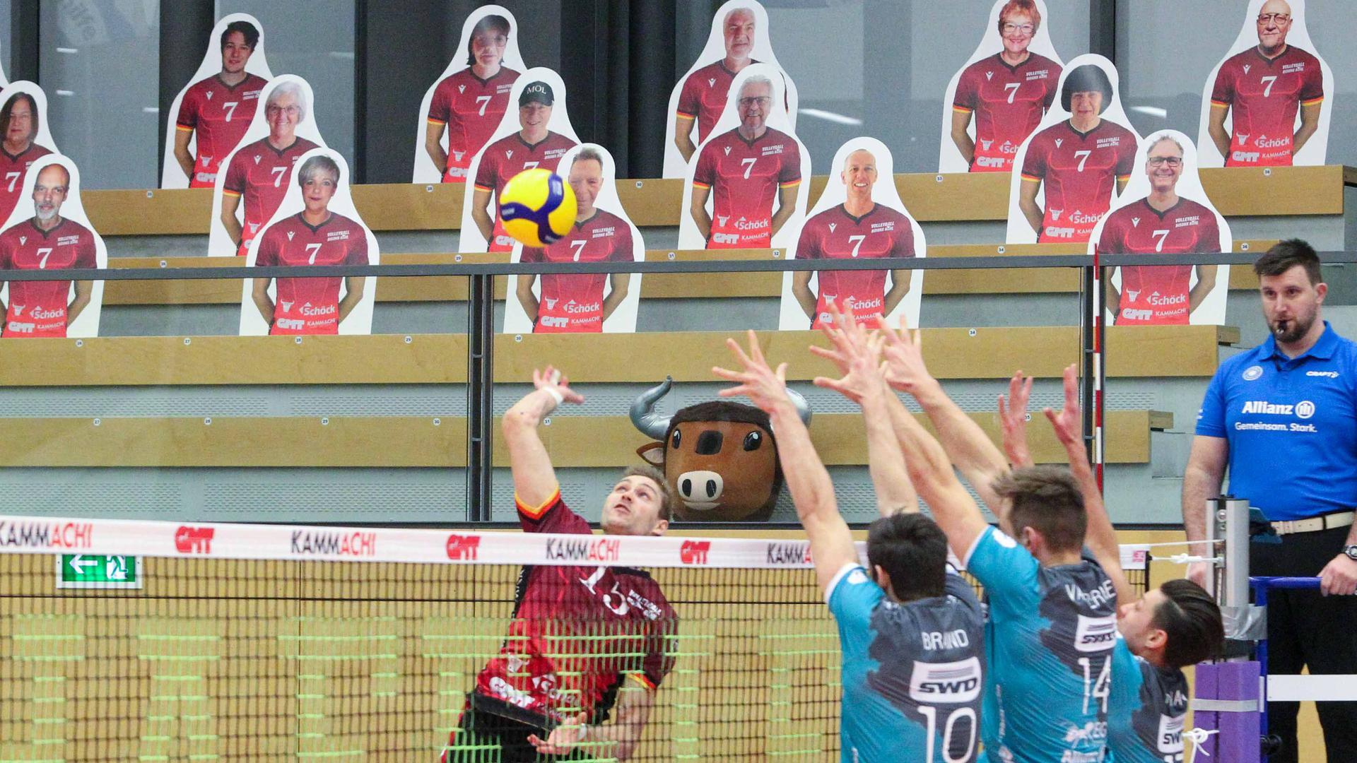 Neue Herausforderung: Geschmettert und geblockt wird in der Bühler Großsporthalle künftig in der Dritten Liga.