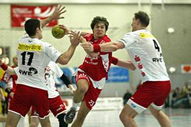 Von Südbaden nach Luxemburg: In jungen Jahren warf Björn Gerber (Mitte) in der Willstätter Hanauerlandhalle seine Tore, seit 2010 führt er beim HC Berchem auf dem Spielfeld Regie.