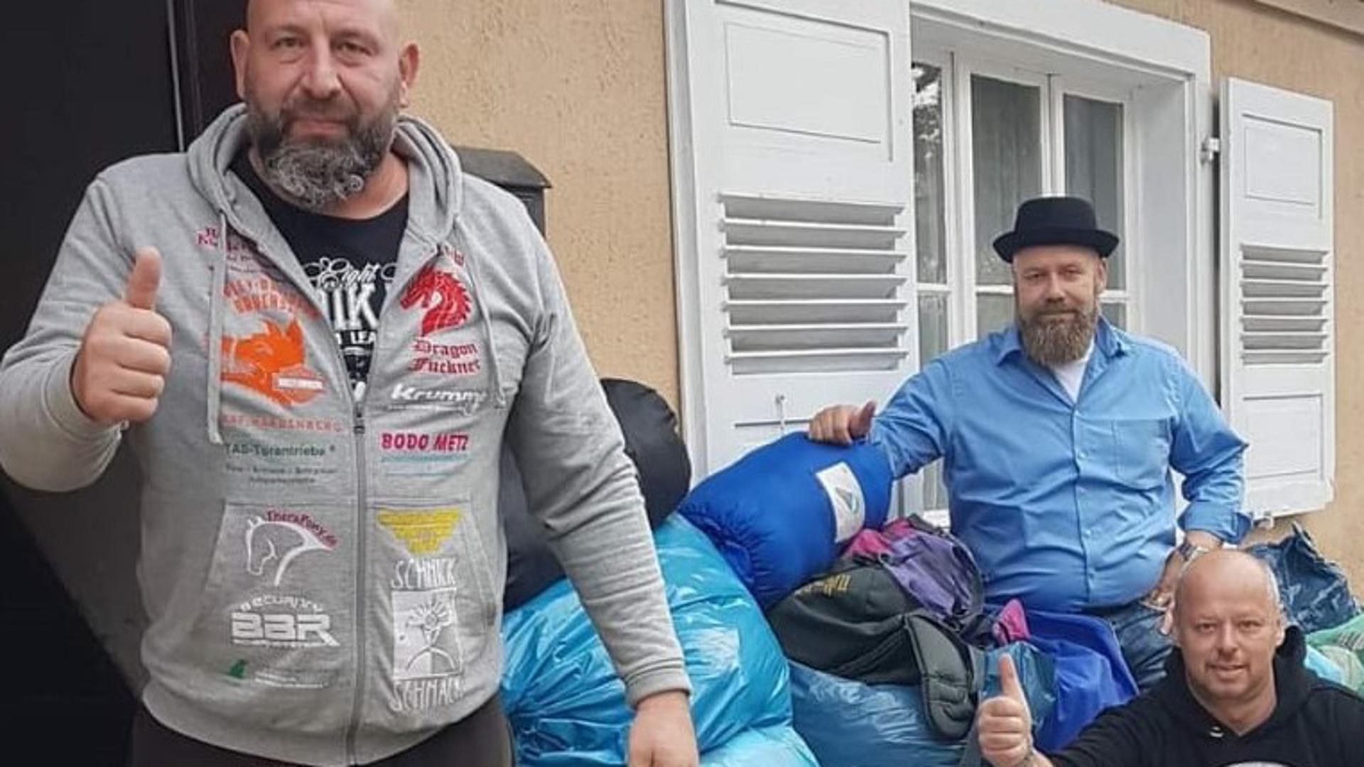 Sammelergebnis:  Mehrere Säcke mit winterlicher Kleidung und nützlichen Utensilien  kamen bei Fuckners  Aktion für Obdachlose zusammen.