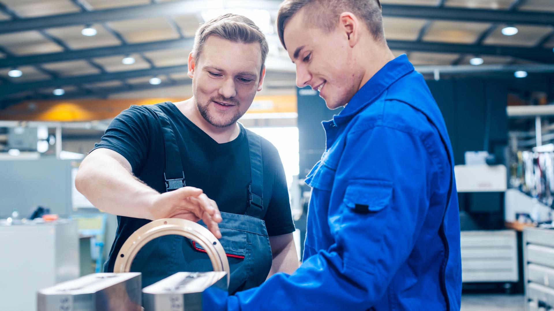 Ob eine Ausbildung beziehungsweise Tätigkeit im kaufmännischen Bereich oder im Handwerk. Zahlreiche Firmen in der Region sind auf der Suche nach engagierten neuen Mitarbeitern.