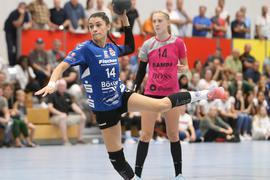 Handballerin Fitore Aliu wirft