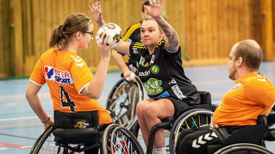Nachholbedarf: Während Rollstuhl-Handball in vielen europäischen Ländern gespielt wird, wie beispielsweise hier in Norwegen, ist die Sportart in Deutschland noch weitgehend unbekannt.