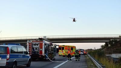 Unfall Autobahn 5  am 8. August. zwischen Achern und Bühl mit mehreren Verletzten und einem Toten. Auch zwei Rettungshubschrauber waren im Einsatz.