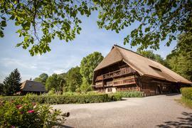 Vom Leben damals: Auf dem Gelände des Freilichtmuseums stehen mehrere alte Bauernhöfe. Sie erzählen vom einstigen Leben im Schwarzwald.
