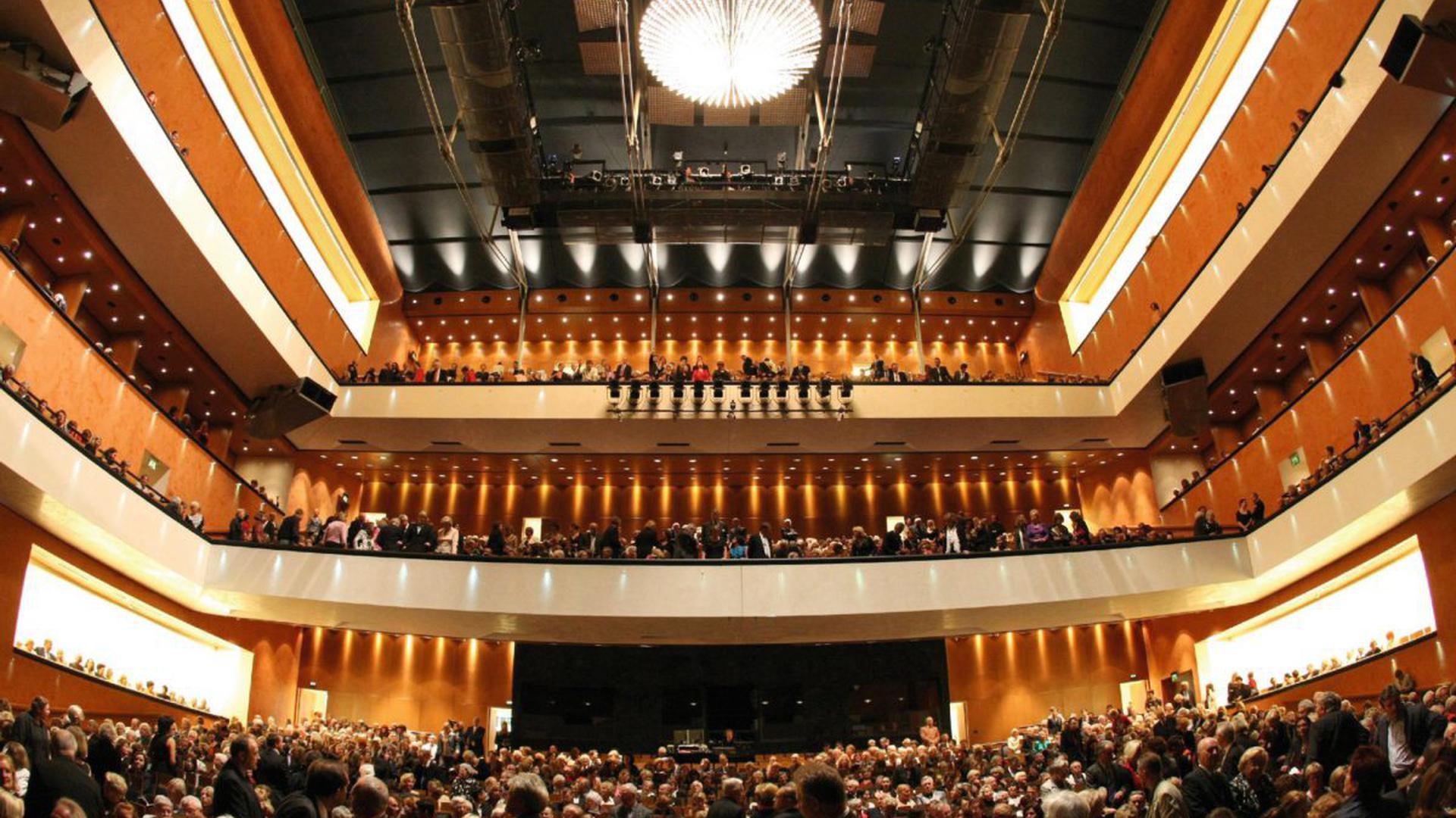 Starke Anziehungskraft: Das Festspielhaus Baden-Baden lockt mit Weltstars und einem attraktiven Programm jährlich rund 160.000 Besucher an. 2018 feierte das zweitgrößte Opern- und Konzerthaus Europas sein 20-jähriges Bestehen.