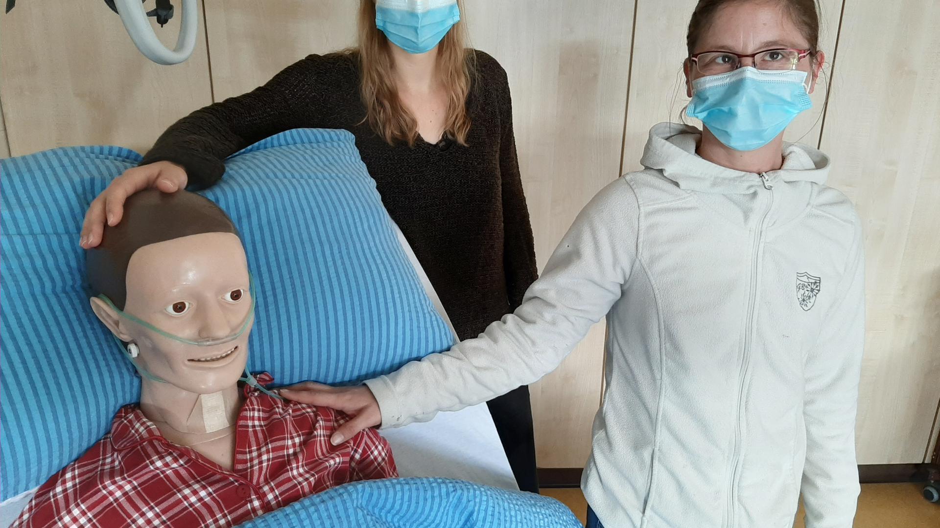 Neue Puppe im Skills Lab der Robert-Schumann-Schule Baden-Baden