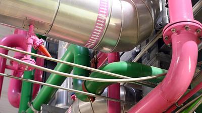 Innenaufnahme des Geothermie-Kraftwerks Bruchsal des Energiekonzerns EnBW.