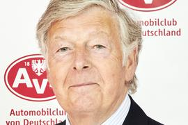 Das Auto steht für ihn seit jeher für Freiheit und Unabhängigkeit: Gerd Stracke, AvD-Vizepräsident und BAC-Vorsitzender, plauderte im BNN-Interview über das Internationale Oldtimer-Meeting Baden-Baden und seine Passion für automobile Schätze auf vier Rädern.