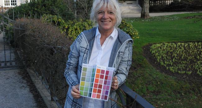 Heike Schauz aus Baden-Baden hat aufbauend auf Feng Shui eine eigene Farbkarte entwickelt, um ein harmonisches, individuell abgestimmtes Wohnambiente zu ermöglichen.