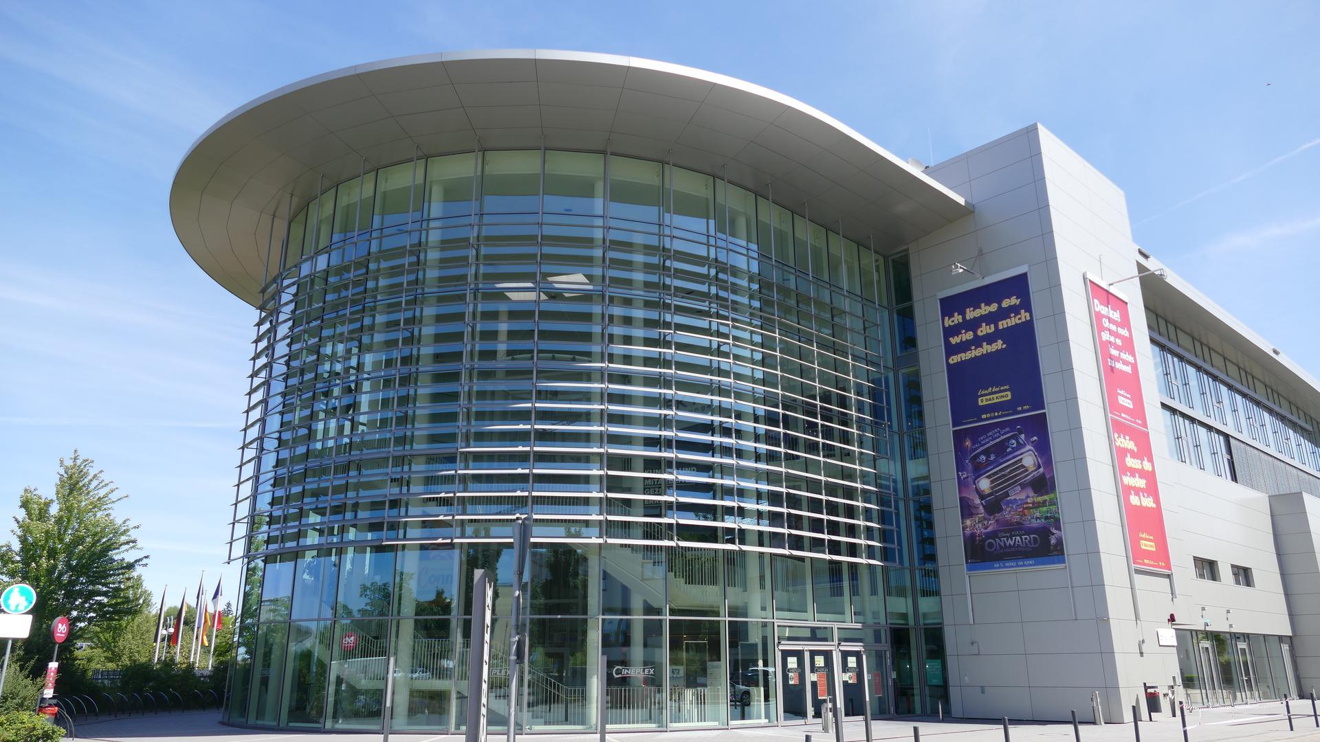 Abstand wird eingehalten: Das Cineplex Baden-Baden kann aufgrund der Corona-Bestimmungen im Extremfall nur 30 Besucher in einen Saal lassen. Fotos: