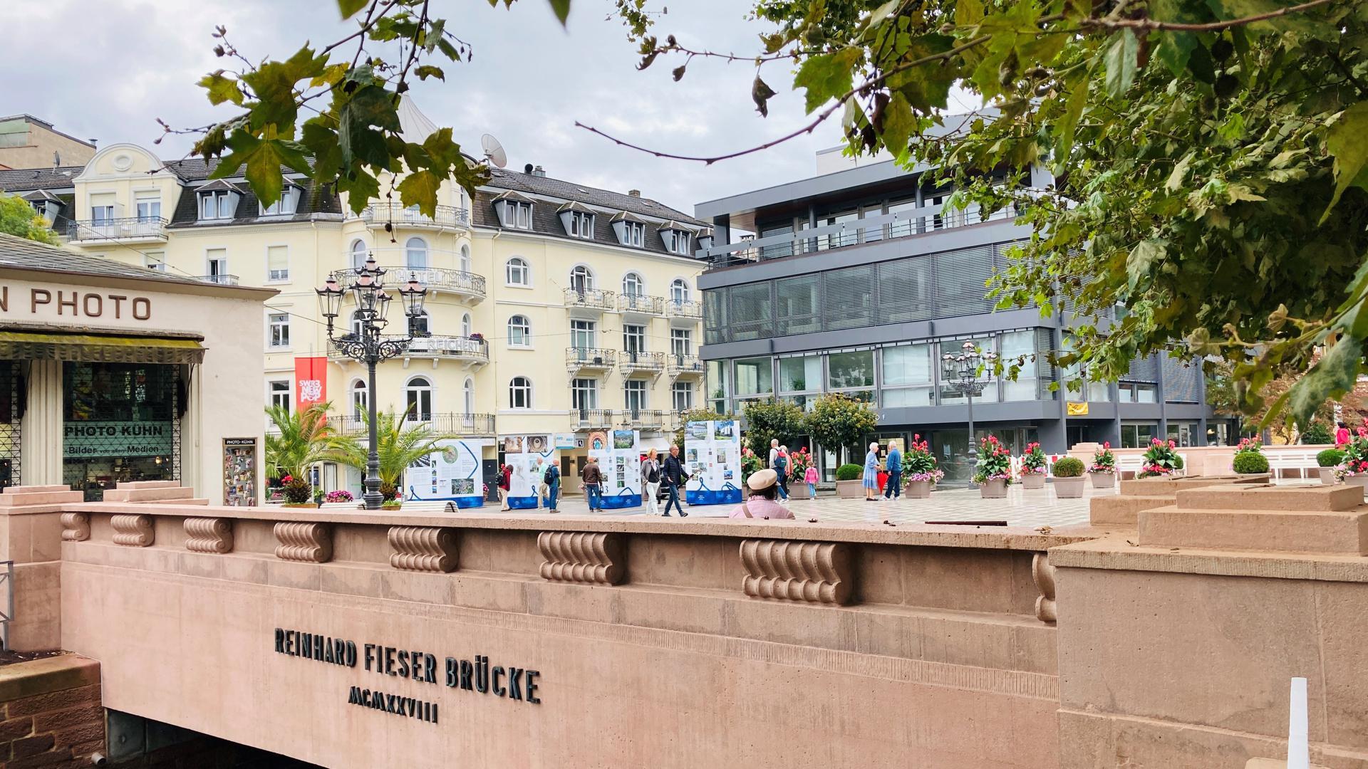 Die Fieser-Brücke im Herzen von Baden-Baden ist die direkte Verbindung von der Altstadt zum Kurviertel.