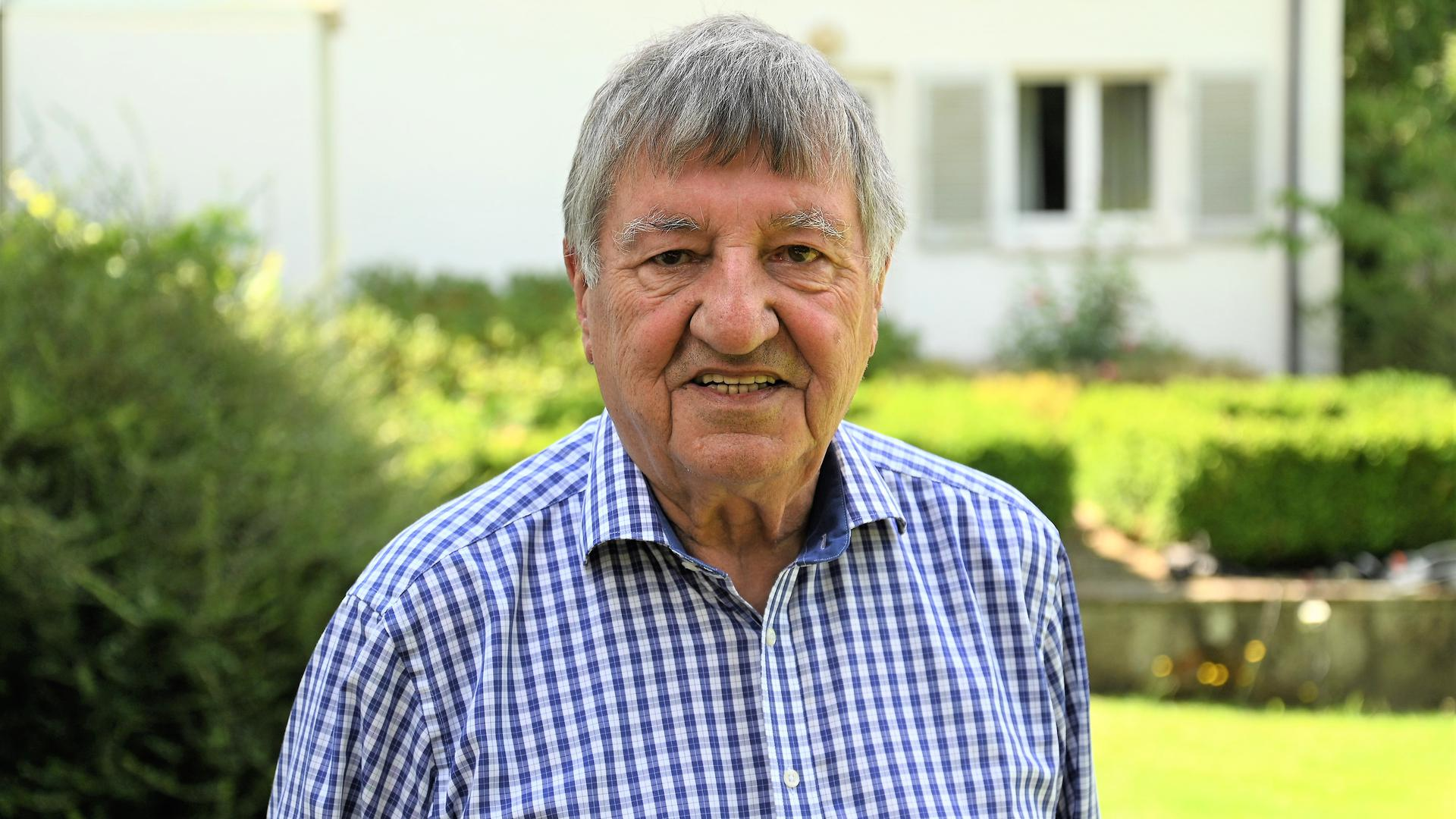 Heinz Knapp aus Baden-Baden wird 90 Jahre alt.