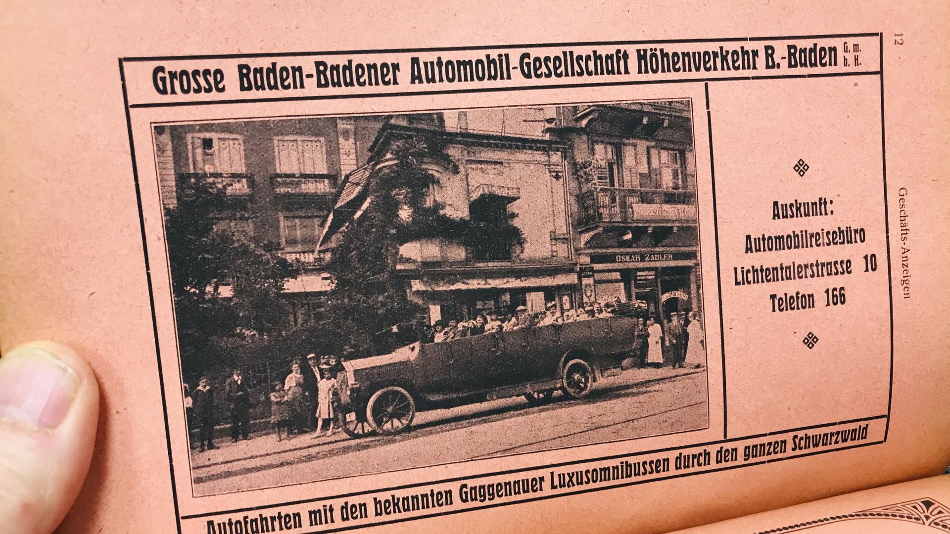 Auf einer ganzen Seite wirbt die Baden-Badener Automobil-Gesellschaft Höhenverkehr im Adressbuch von 1920 für Ausflugsfahrten mit Luxusomnibussen aus Gaggenau.