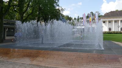 """Die Wasser-Fontainen """"Appearing Rooms"""" laden vor allem bei heißen Temperaturen zur Interaktion ein."""