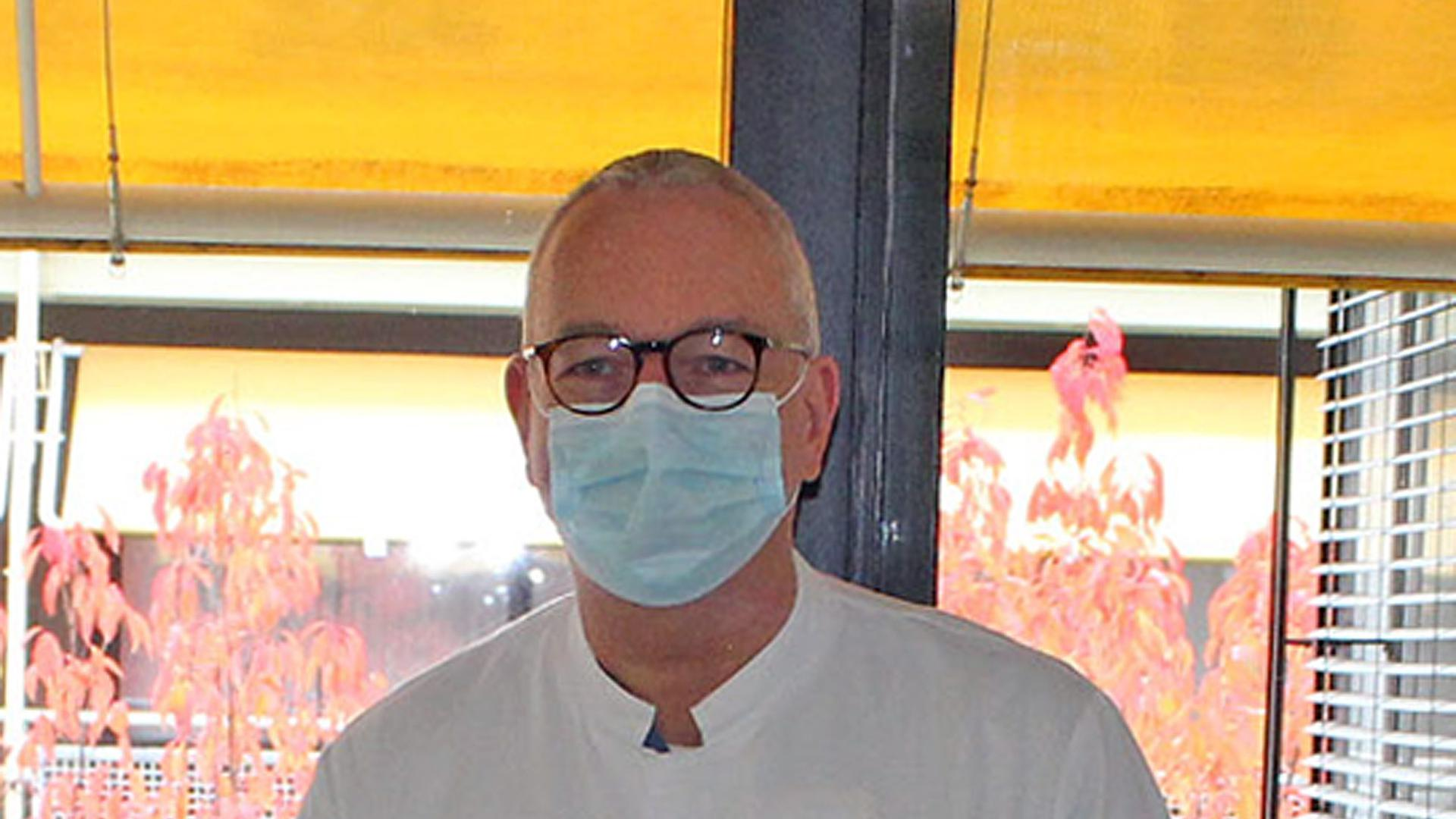 Trügerische Ruhe: Intensivmediziner Thomas Iber, medizinischer Geschäftsführer des KMB, mahnt trotz sinkender Inzidenzen zu Vorsicht und Wachsamkeit sowie zur Einhaltung der AHA-Regeln.