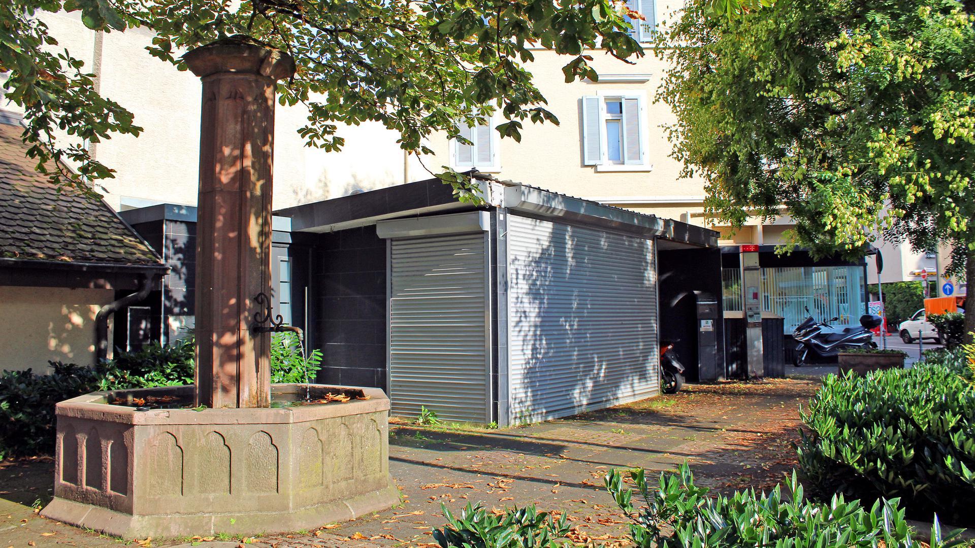 Der seit Jahren stillgelegte Kiosk am Bertholdplatz soll bald wieder als Café mit Außenbewirtung genutzt werden.