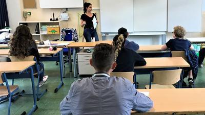 Schüler der Theodor-Heuss-Schule Baden-Baden erhalten Unterricht in den Lernbrücken.