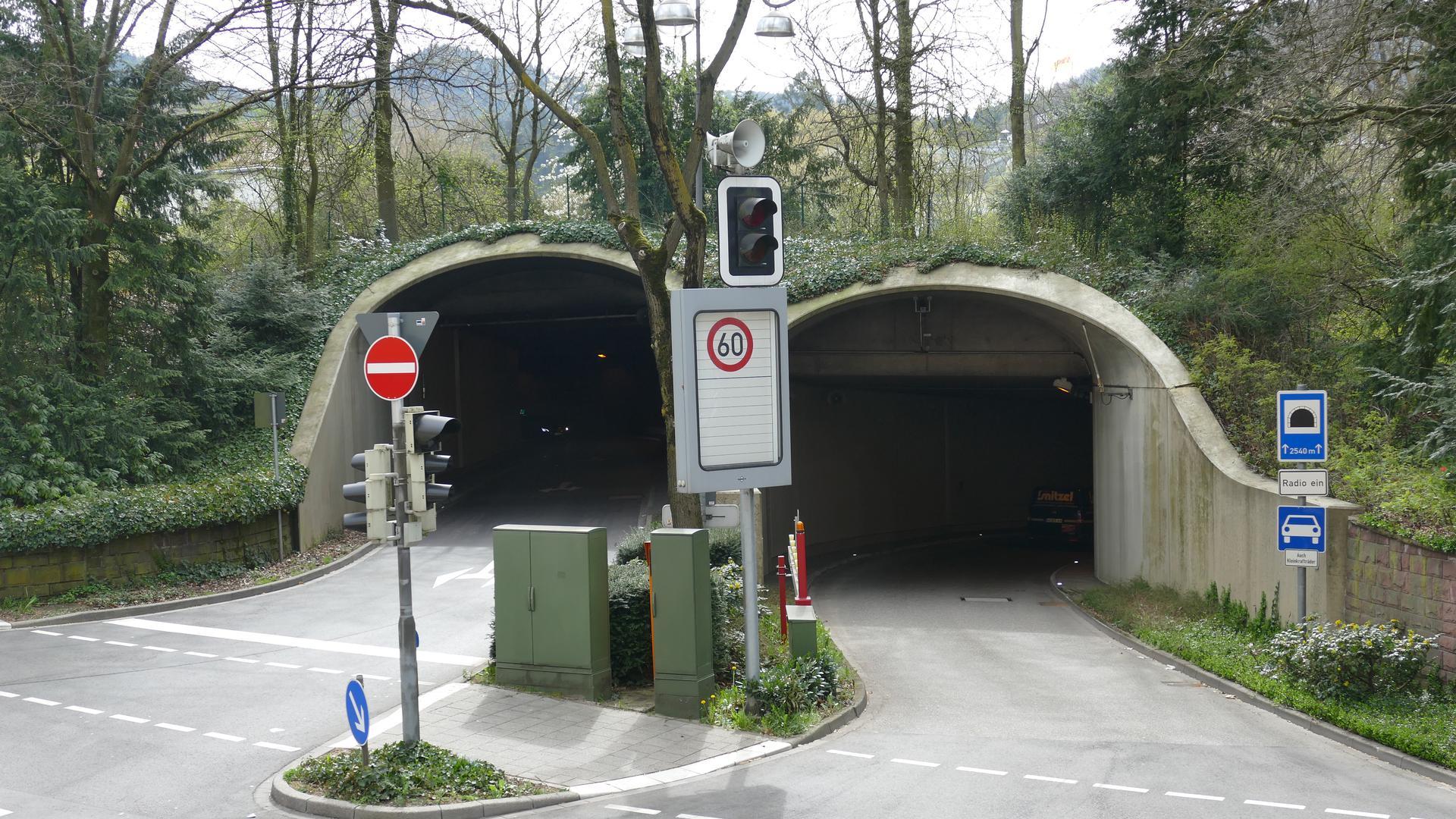 Der Michaelstunnel in der Kurstadt wurde Ende 2020 mit Digitalfunk und DAB+-Technik ausgestattet.