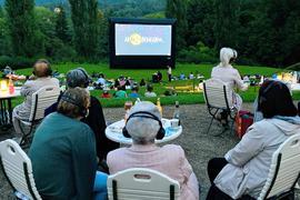 Grünes Amphitheater: Das Mondkino im Rosenneuheitengarten auf dem Beutig in Baden-Baden.