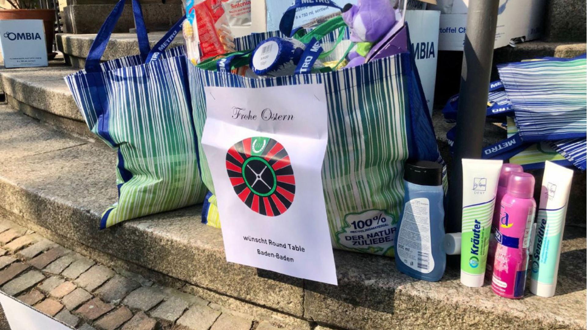 """Prall gefüllte Taschen: Mit der Aktion """"Ostern in der Tüte"""" wollen die Tabler auch in diesem Jahr zusammen mit der Caritas Rastatt bedürften Menschen eine Freude bereiten."""