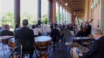 Philharmonie Baden-Baden spielt in der Trinkhalle