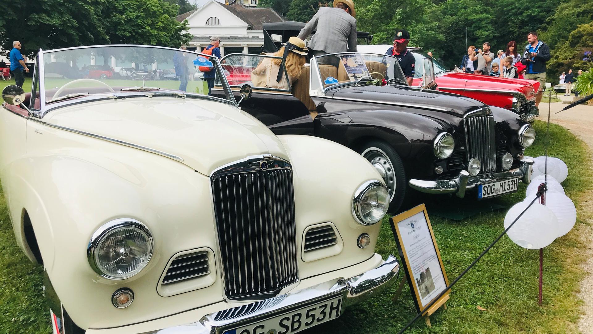 Vom Sunbeam Talbot Alpine wurden zwischen 1953 und 1955 nur 1.582 Exemplare gebaut. Nur wenige sind heute noch fahrbereit - wie dieses Exemplar beim Oldtimer-Meeting 2019 in Baden-Baden.