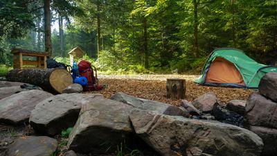Trekking-Tour durch den Nord -Schwarzwald zwischen Freudenstadt und Baiersbronn. Camp Kniebis am Forbach