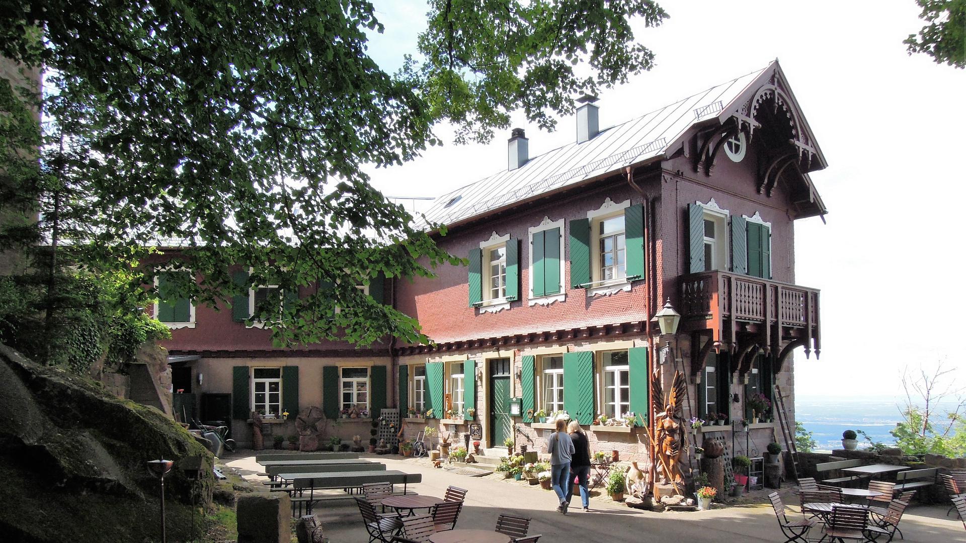 Schweizerhausstil: Die Gaststätte der Yburg entstand im Zeitalter der Burgenromantik gegen Ende des 19. Jahrhunderts.