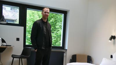 Maximilian Schmitt in seinem Hotel Adams in Baden-Baden.