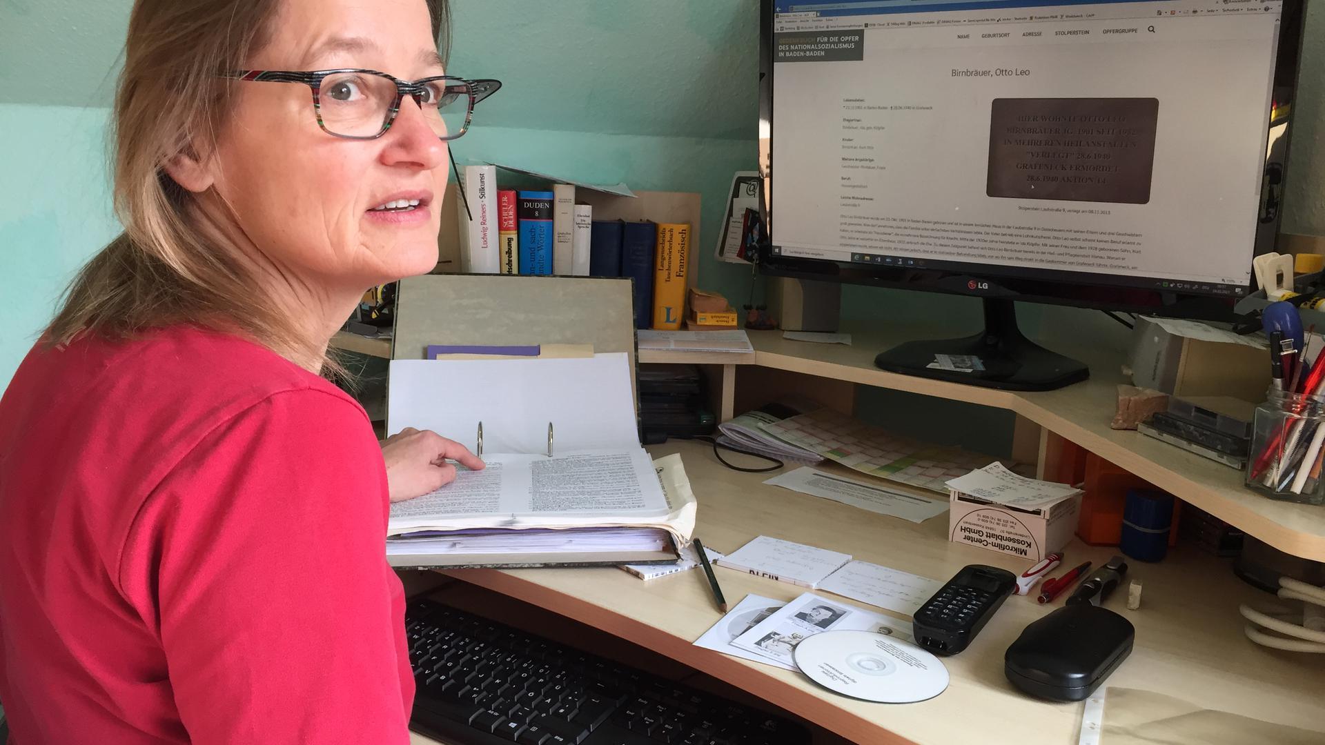 Dagmar Rumpf leistet im Augenblick viel Arbeit am Computer